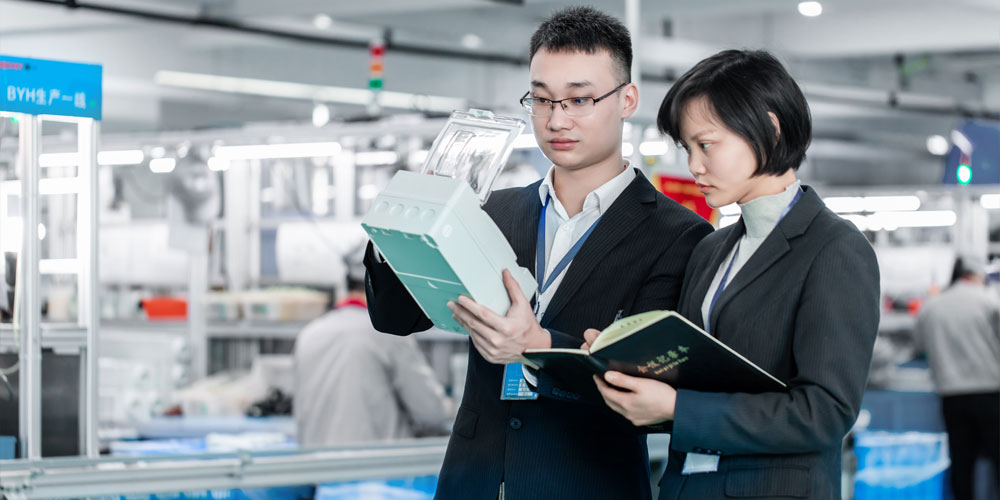 Apply established workflows and practices in the manufacturing process